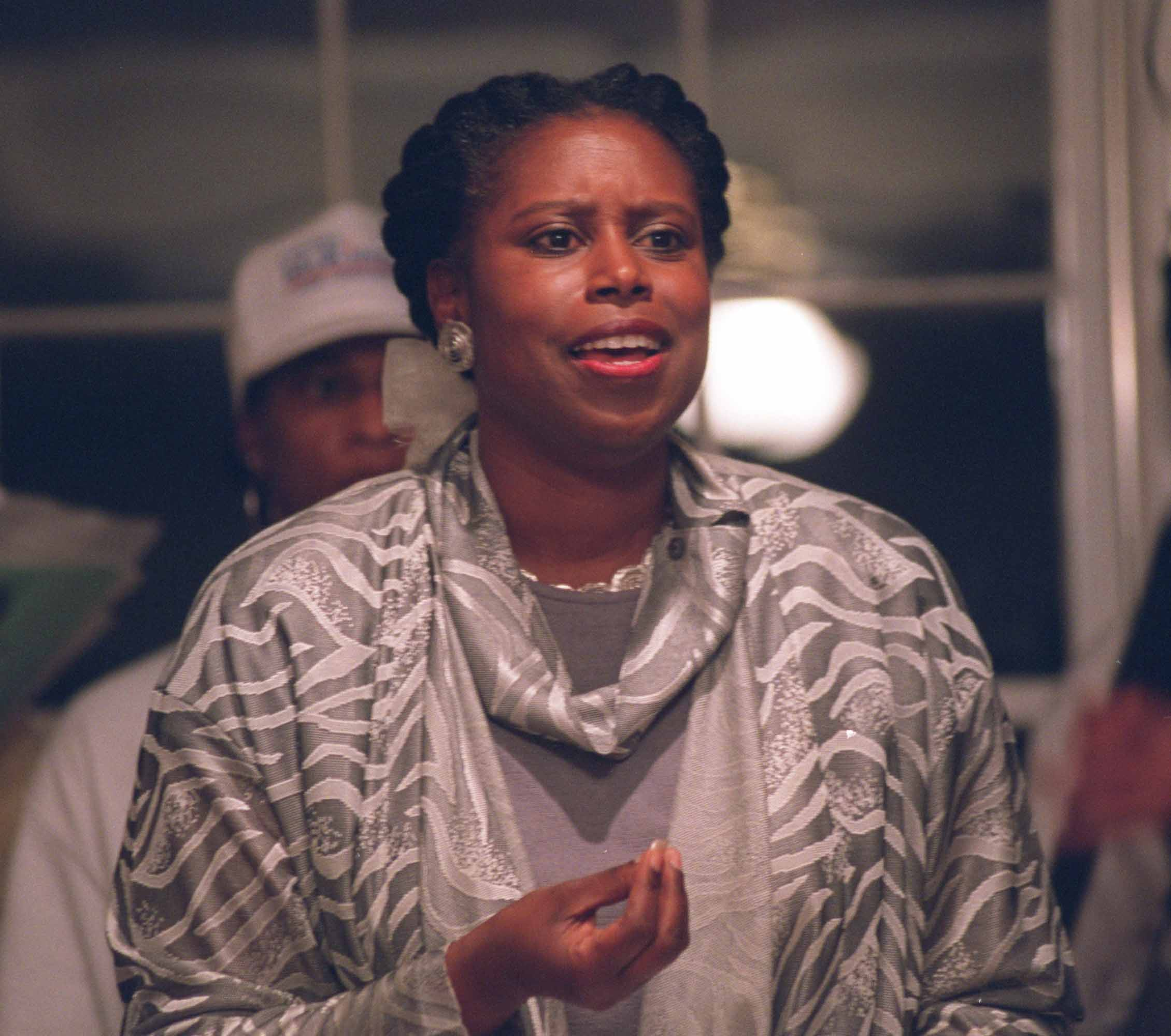 020815 Lithonia, GA.: Cynthia McKinney(cq) attends a campaign stop and candidate forum at the Lion's Head Neighborhood Association clubhouse in the Lion's Head subdivision in Lithonia on Thursday evening 2/15/02. (ANDY KJELLGREN/ AJC STAFF )